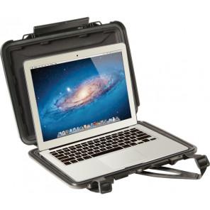 Pelican™ 1070CC HardBack Case (with Liner) for Ultrabook, Macbook Pro and Macbook Air